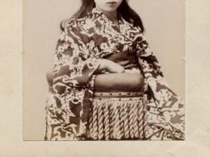(衝撃写真) 120年前の明治時代の女子を激写した結果wwwwwwwwwwwwww