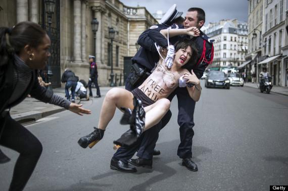 FRANCE-TUNISIA-WOMEN-RIGHTS-FEMEN