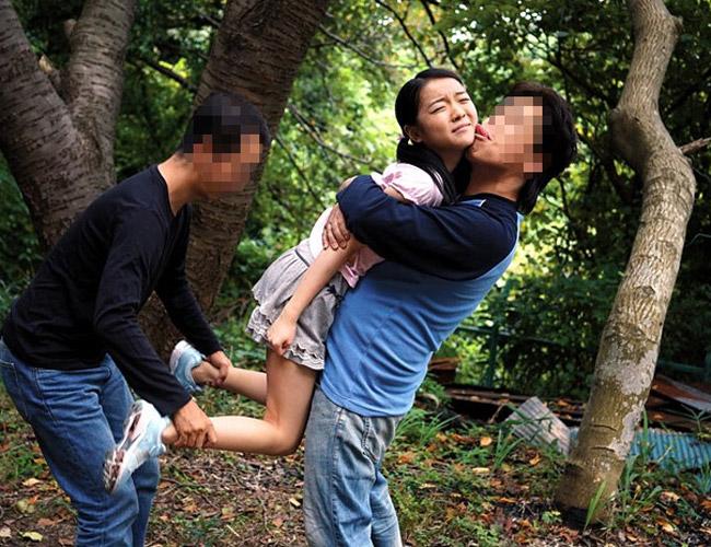 (恐怖・強姦注意) 身長150cm未満の10代小娘しか狙わない強姦集団怖すぎ・・・
