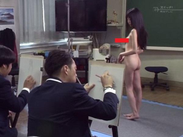 (写真)テレビのぬーどデッサン企画で乳房とお尻がモロ映りwwwwwwwwwwwwwwwwwwwwww